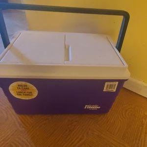 Igloo picnic basket cooler
